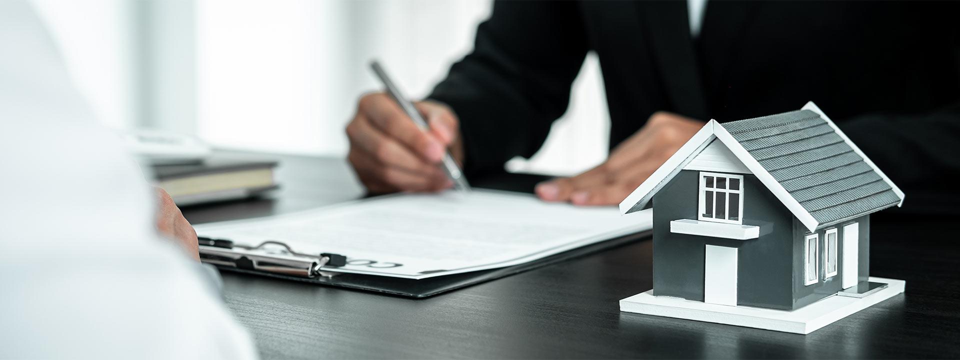 Immobilienberater in Hannover beraten einen Kunden